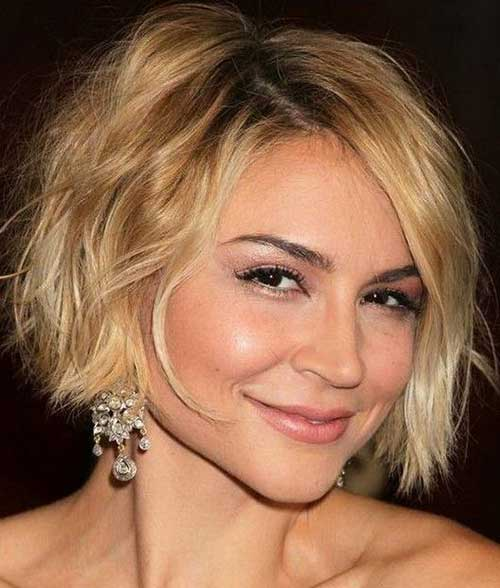 Graduated Messy Bob Hairstyles