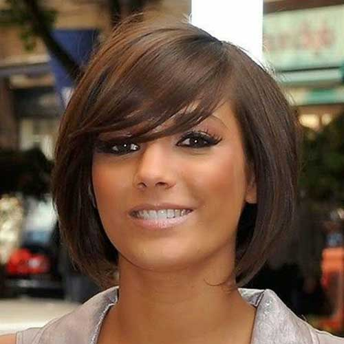 Chic Straight Side Swept Bob Hairstyles