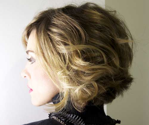 Light Brown Wavy Bob Haircut