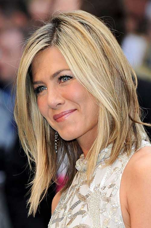 Jennifer Anniston Casual Long Bob Cut