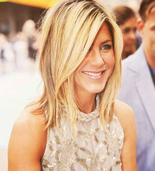Cute Jennifer Anniston Long Bob Cut