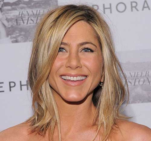 Jennifer Anniston Messy Long Bob Style