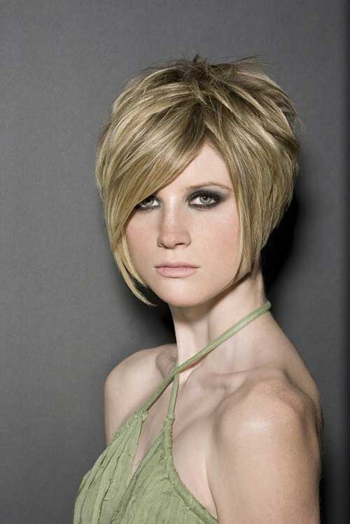 Highlighted Blonde Layered Short Bob Cuts