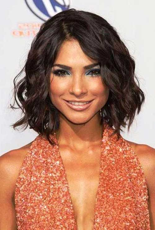 Modern Bob Cut for Thick Wavy Hair Type