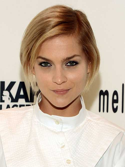 Short Bob Hairstyles with Side Swept Bangs-16