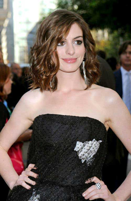 Anne Hathaway Curly Bob Haircut