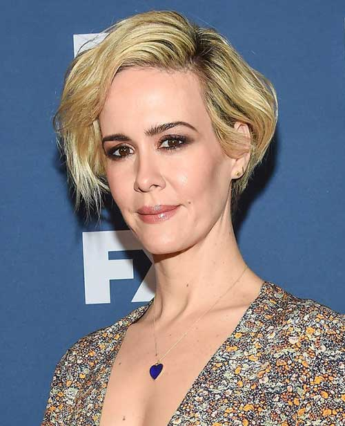 Celebrities with Bob Haircuts-12