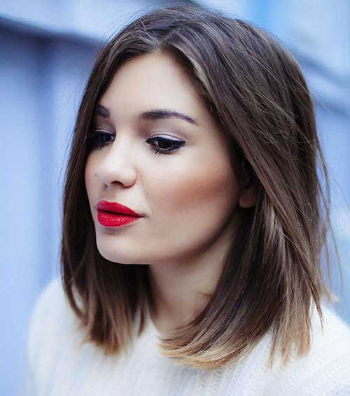 Brunette Medium Bob Cuts