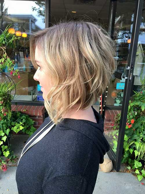Short Layered Bob Haircuts-16