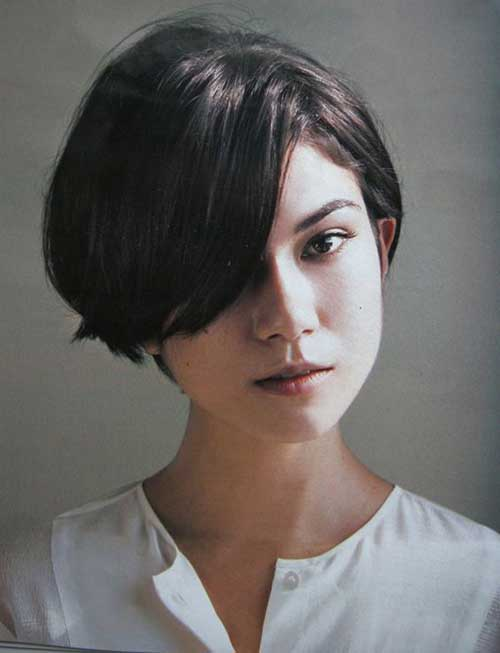 Short Bob with Bangs-15