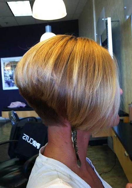Bob Bobs Stacked Short Blonde Back Tapered Reverse
