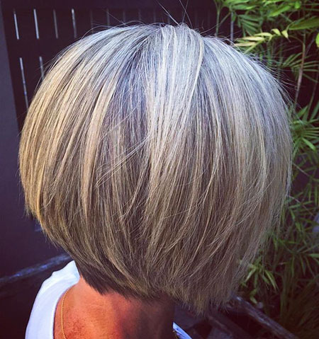These Bang Hairstyles For Older Women Take Years Off photo