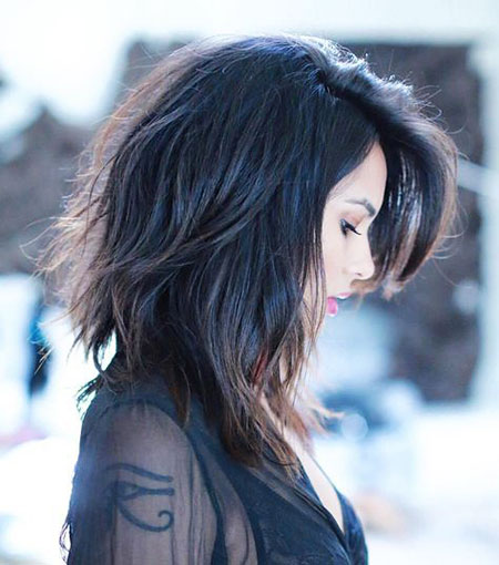 Girl with Messy Black Hair, Lob Wavy Messy Layered
