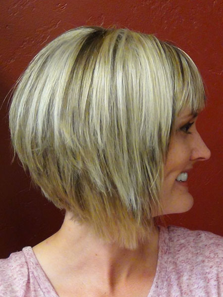 Short Hair for Round Faces Back View, Bob Bronde Round Women