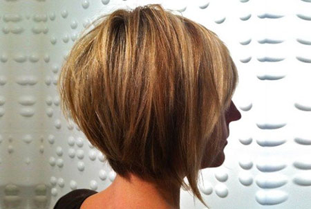 Bob Layered Hairtyles Blonde
