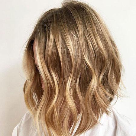 Blonde Choppy Hair Lob