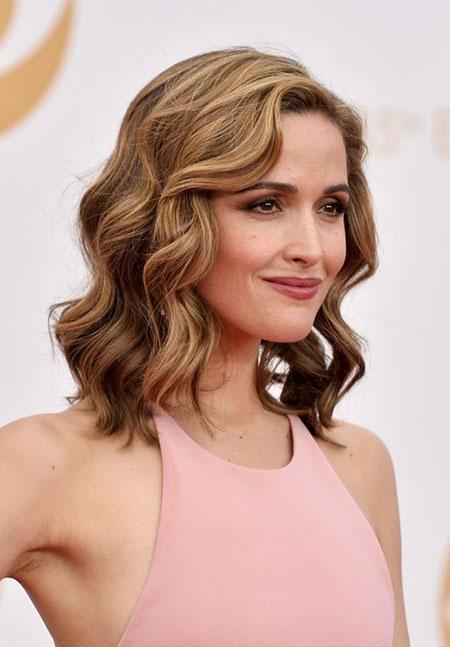 Haarwellen mittlerer Länge