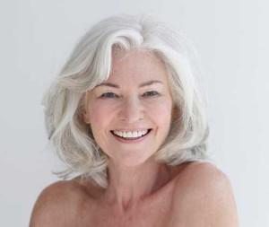 Gray Hair Trend for Older Women