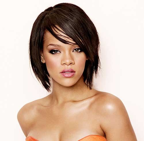 Rihanna Bob Hairdo with Thin bangs