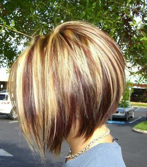 Chic Bob with Blonde Highlighted Hair Color