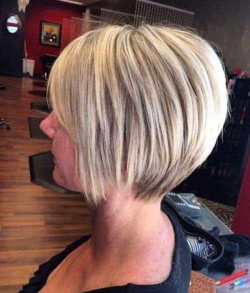Chic Side Swept Blonde Bob Hair