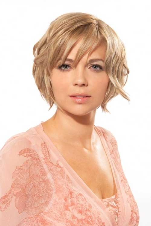 Layered Bob Hair Cut for Round Faces