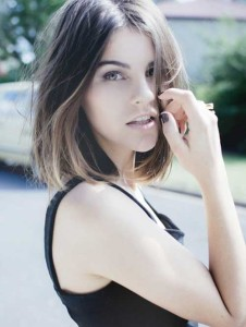 Long Bob with Blonde Highlights Colors