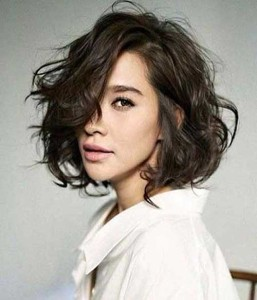 New Curly Bob Hair Style for Girls