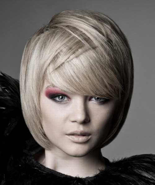 Nice Straight Bob Hair Cut for Round Faces