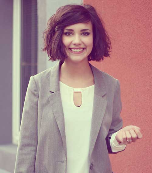 Short Thick Bob Haircuts for Round Faces