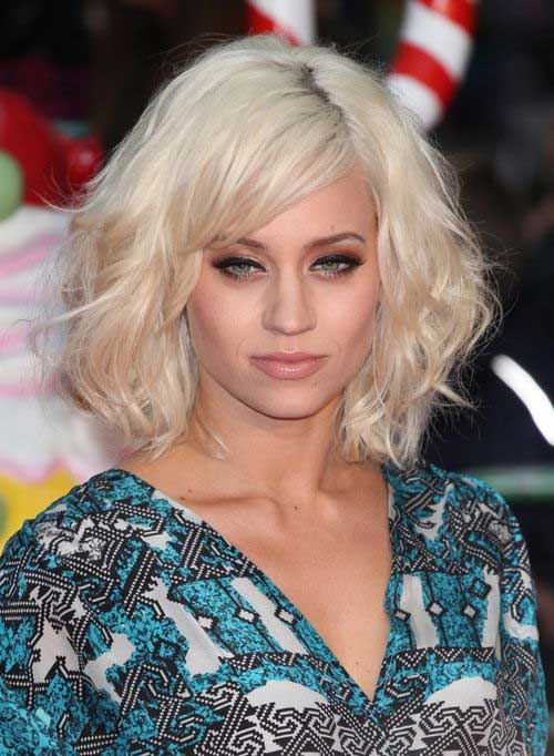 Blonde Layered Bob with Side Bangs Ideas
