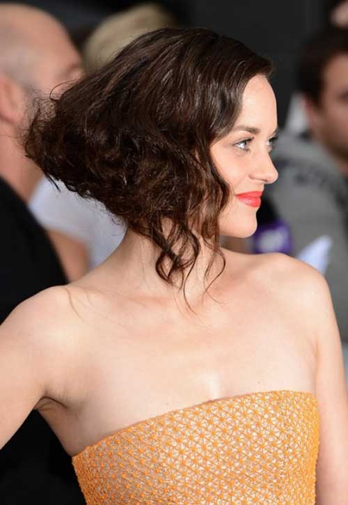 Chic Curly Inverted Bob Haircuts