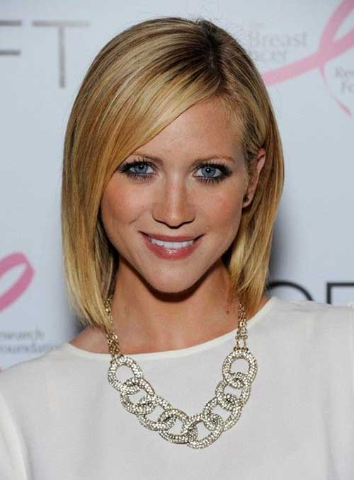 Layered Good Bob Hair Cuts with Side Bangs