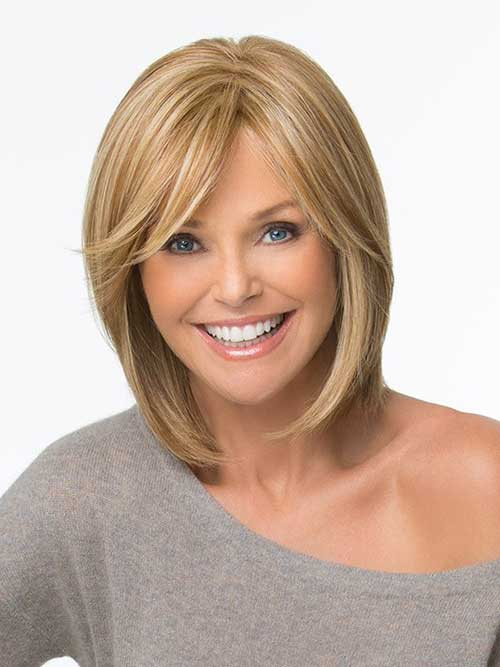 Layered Thin Straight Bob with Side Bangs