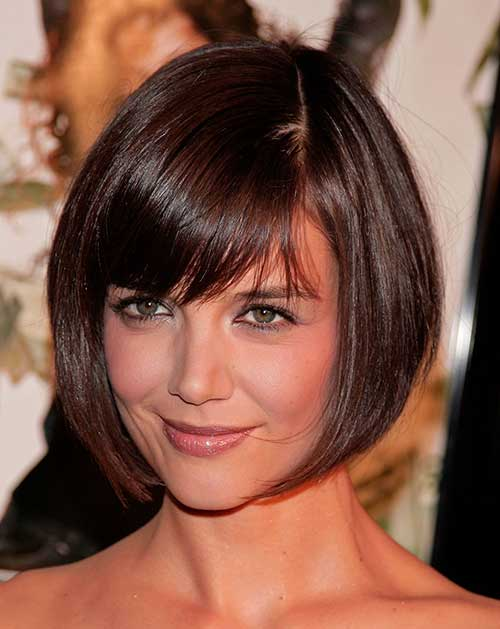 Straight Bob Hairstyles Ideas with Bangs for Round Faces