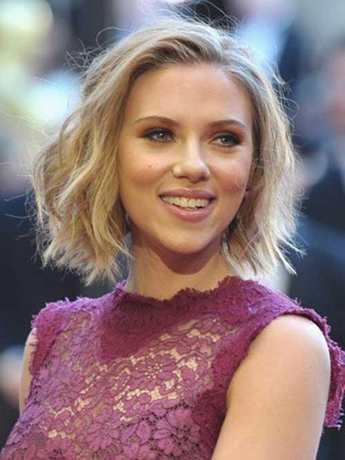 Scarlett Johansson Chic Bob Haircuts