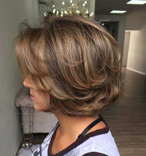 Short Layered Bob Cuts-9