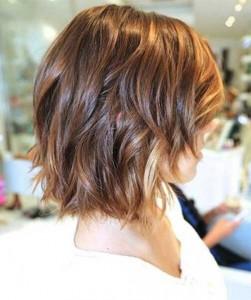 Short Highlighted Bobs For Wavy Hair