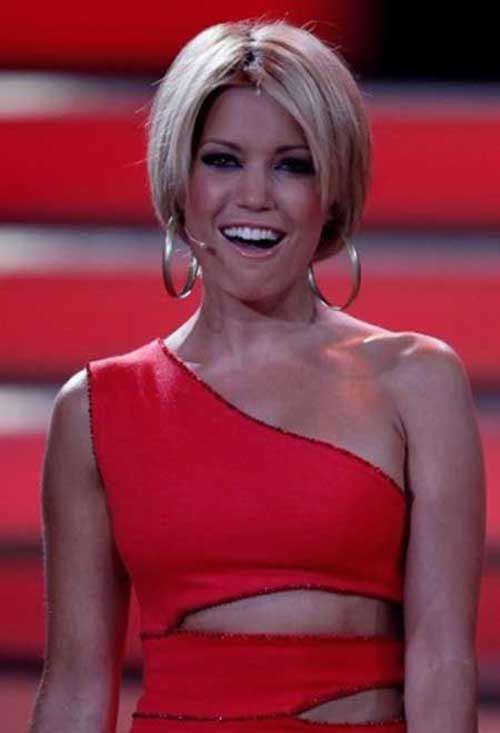 Short Blonde Haircuts for Women Bobs