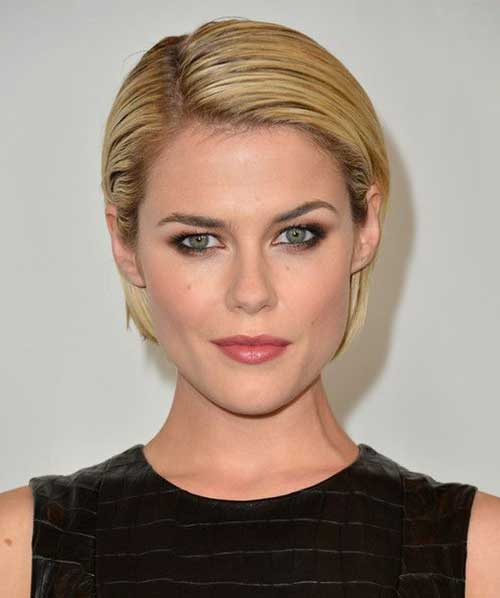 Trendy Slicked Blonde Bob Haircuts