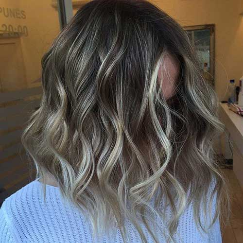 Wavy Hair Blonde Long Bob