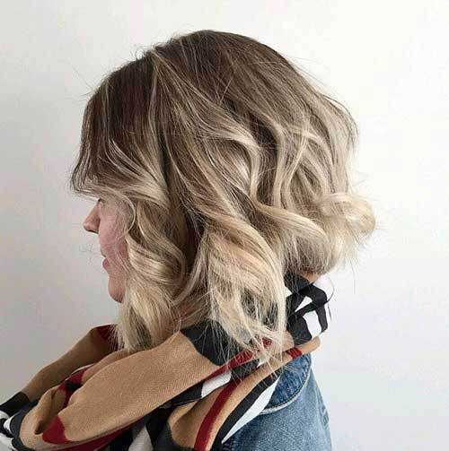Wavy Inverted Bob Cut Images