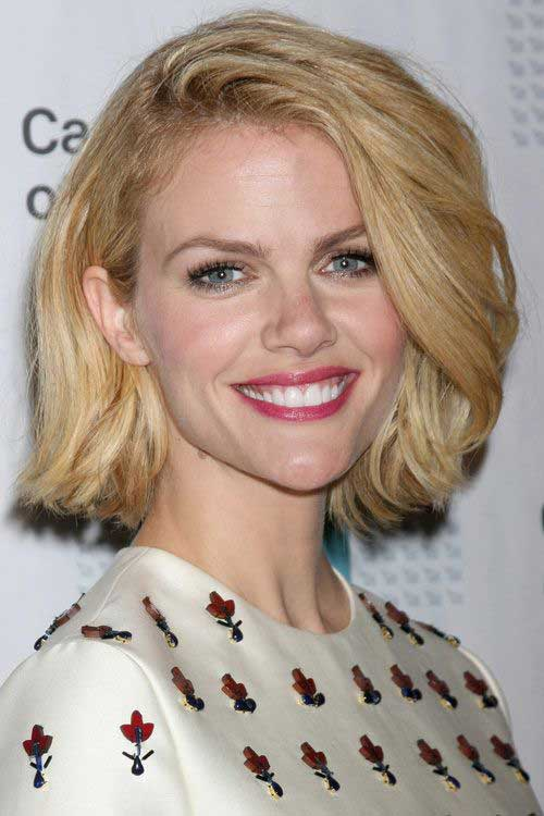 Brooklyn Decker Classic Bob Hairstyles