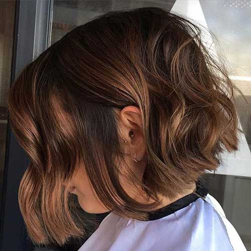 Loose Wavy Short Bob Hairstyles