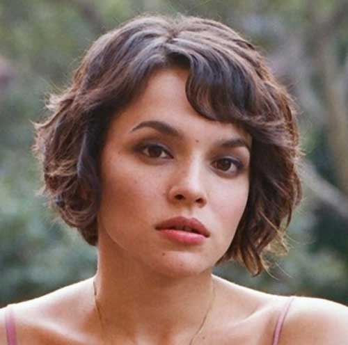 Norah Jones Messy Bob Hair with Bangs