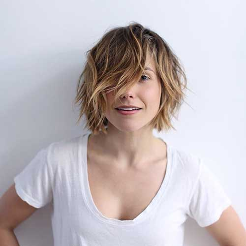 Latest Trendy Short Wavy Bob Hair