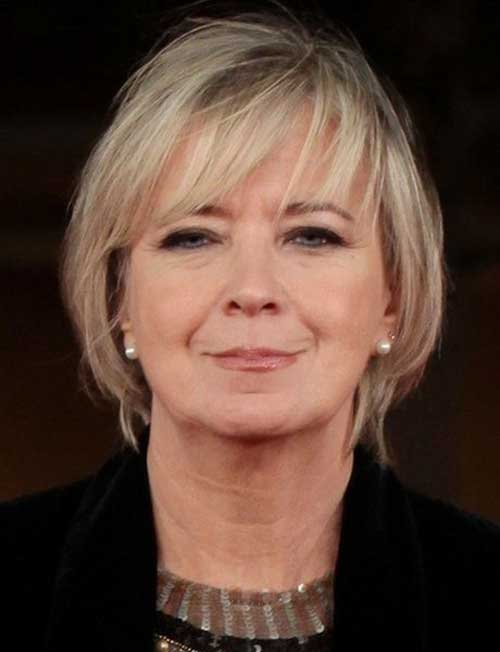 Short Bob Hairstyles for Women Over 50-7