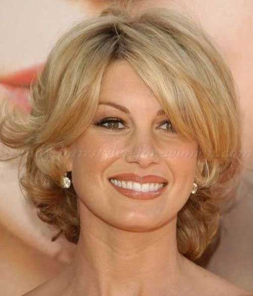 Bob Haircuts for Women Over 50-17