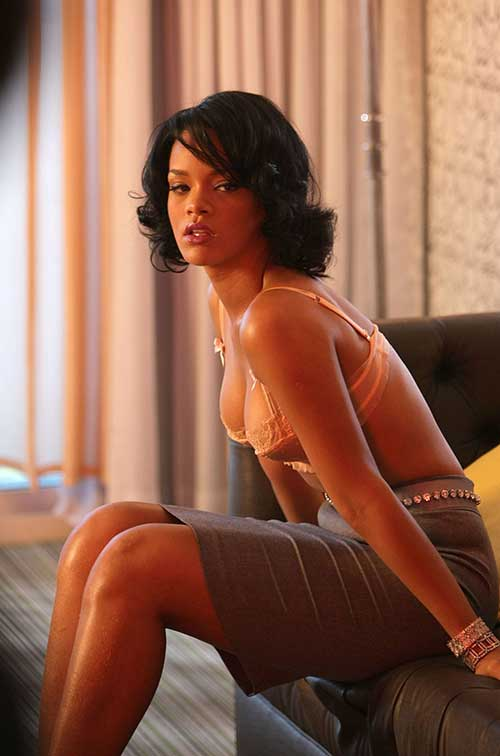 Rihanna Bob Haircut-11