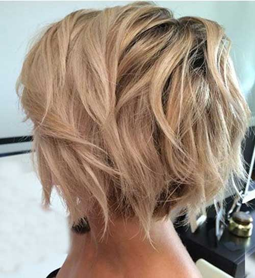 Wavy Bob Haircuts-16